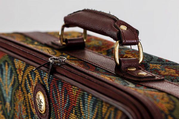 suitcase-nahaufnahme-600x400